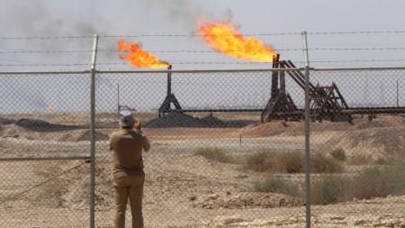 Петролно находище на ExxonMobil близо до Басра, Ирак