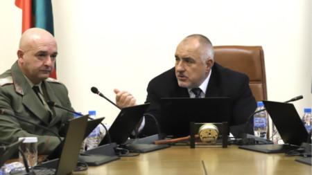 За шеф на кризисния щаб беше посочен началникът на ВМА генерал-майор Венцислав Мутафчийски