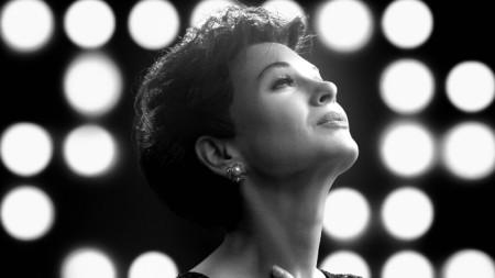 Рене Зелуегър в ролята на Джуди Гарланд (постер)