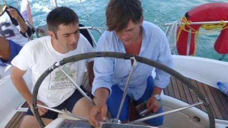 Димитър Попов (вляво)
