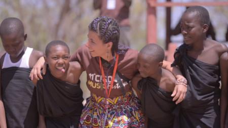 Моника Угренова в Танзания