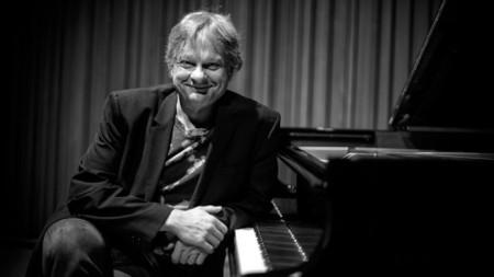 Ииро Рантала отдава почит към двама други пианисти - Чик Кърия и Йосбьорн Свенсон, в концерт в Берлинската филхармония