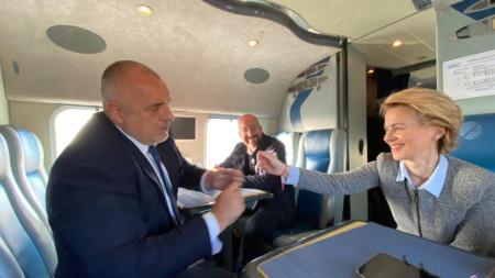 """Министър-председателят Бойко Борисов посрещна председателя на Европейската комисия Урсула фон дер Лайен и председателя на Европейския съвет Шарл Мишел на ГКПП """"Капитан Петко Войвода"""""""
