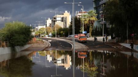 Наводнения в Гърция след проливни дъждове