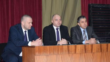 Директорът на полицията в Стара Загора старши комисар Георги Хаджиев (вляво) е новият директор на Столичната дирекция на вътрешните работи