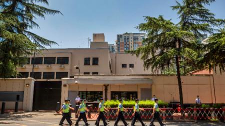 Сградата на закритото американско консулство в Чънду.