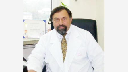 Проф. Ара Капрелян