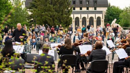 Концерт на Симфониета Шумен под диригентството на маестро Станислав Ушев.