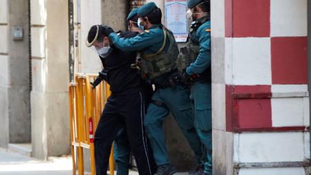 Арестът на мъжа в Барселона, за когото се предполага, че е планирал терористичен акт.