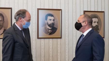 Президентът Румен Радев проведе работна среща с посланика на Германия Кристоф Айххорн.