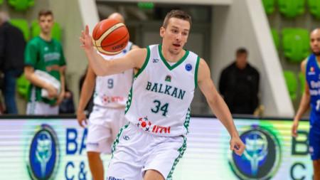 Димитър Димитров ще продължи да играе за Балкан
