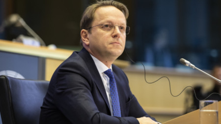 Еврокомисарят по разширяването на ЕС Оливер Вархей
