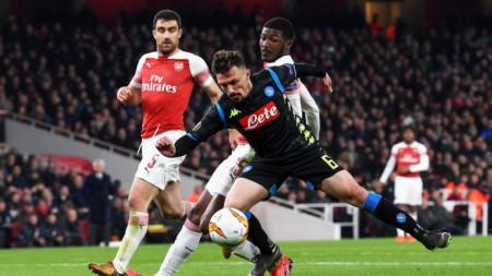 Наполи (в тимни екипи) все още вярва, че може да отстрани Арсенал.