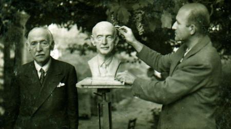 Проф. Заимов прави портрет на Симеон Радев