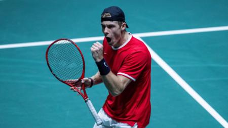 Денис Шаповалов донесе първа победа над Канада над САЩ от 54 години.