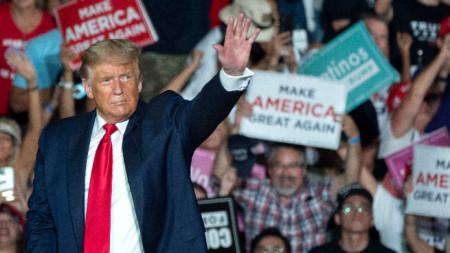 Доналд Тръмп на митинга в Санфорд
