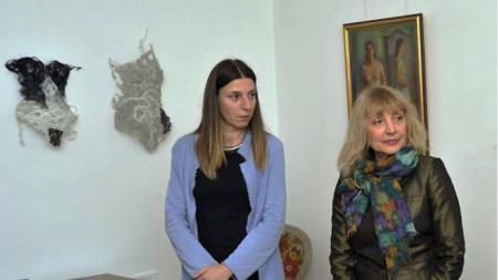 Диана Драганова-Щир и Анна Бояджиева (вдясно)
