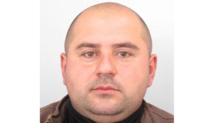 МВР издирва 43-годишния Стоян Георгиев Зайков от град Костенец.