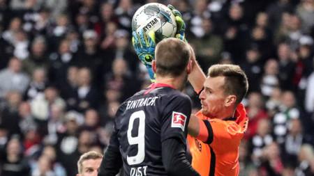 Айнтрахт победи с 3:0 Байер (Леверкузен)