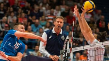 Волейболистите на Чехия (в сниьо) поднесоха изненада в Острава.