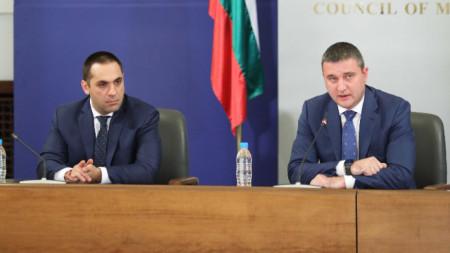 Брифинг на министъра на финансите Владислав Горанов и на министъра на икономиката Емил Караниколов след извънредното заседание на МС.