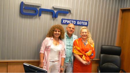 Арх. Теодора Джерманова, Христо Киров и Анелия Торошанова (отляво надясно)