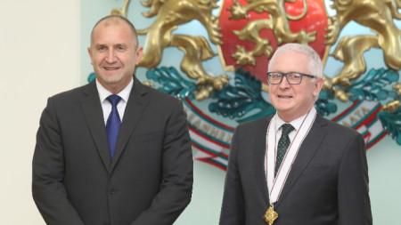 Президентът Румен Радев и посланика на Ирландия у нас Майкъл Форбс