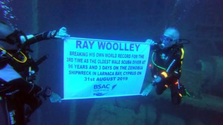 Рей Уули подобри предишните си два рекорда.