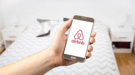 Онлайн платформа за търсене и краткосрочно наемане на частни жилища по целия свят