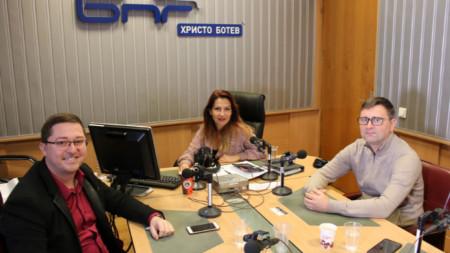 Ростислав Петров (вляво), Ива Дойчинова и Димитър Ганчев