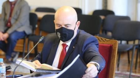 Комисия по правни въпроси обсъжда Доклад за дейността на прокуратурата по прилагането на закона в периода януари - август 2020 г. На снимката: Иван Гешев.