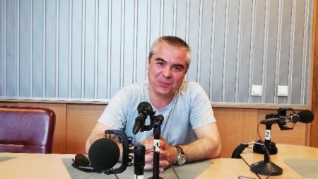 Петър Момчев