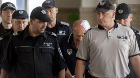 Софийският окръжен съд гледа мярката за неотклонение на Григор Григоров, шофьорът, чийто автобус се преобърна край Своге