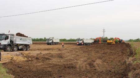 """Започна поетапното строителство на автомагистрала """"Хемус"""" в участъка между п. в. """"Боаза"""" и връзката с път I-5 Русе - Велико Търново с дължина 134,14 км."""