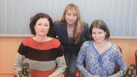 Доц. Веселка Тончева, Мария Мира Христова и Йорданка Иванова (отляво надясно)