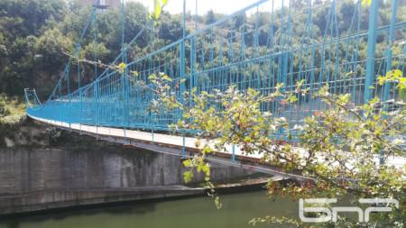 Мостът на Крайно село