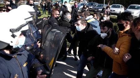 Сблъсъци между студенти и полиция в Солун, 22 февруари 2021 г.