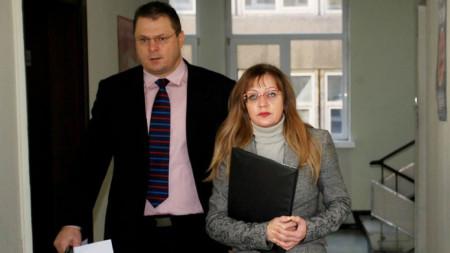 Наталия Николова, окръжен прокурор на София и Николай Спасов, директор на Областна дирекция на МВР - София, задоха пресконференция за палежа в Ихтиман.