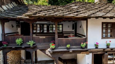 """Къщата с кафенето и шекерджийската работилница в Етнографския музей на открито """"Етър"""""""