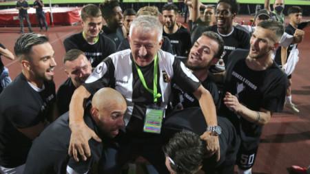 Локомотив Пловдив победи ЦСКА с 5:3 след изпълнение на дузпи във финала на Купата на България и защити титлата си от миналия сезон.