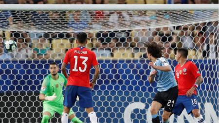 Моментът, в който Кавани бележи победния гол във вратата на Чили.