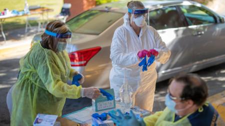 САЩ остават с най-много заразени в глобален мащаб.