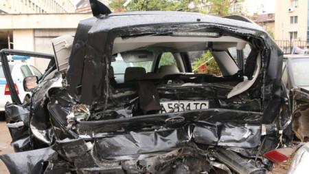 Автомобилите от катастрофата с журналиста Милен Цветков на паркинг пред СДВР.