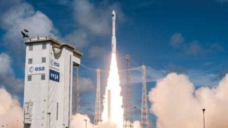 Изстрелване на турски сателит с ракета на Европейската космическа агенция от полигона във Френска Гвиана - 5 декември 2016