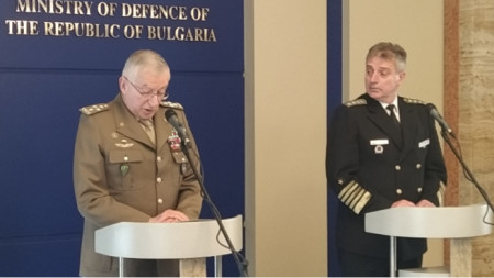 Admiral Emil Eftimov (R) and General Claudio Graziano after their meeting