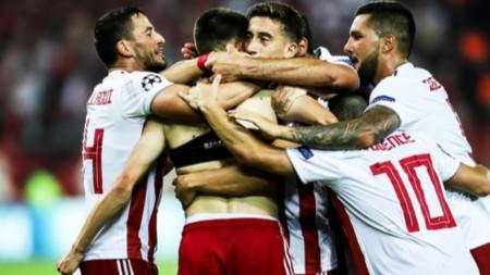 Олимпиакос със сериозна крачка към групите на Шампионската лига
