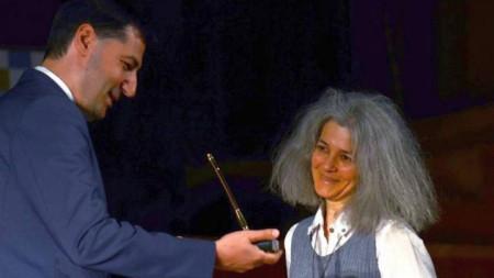 На официална церемония през 2016 година Яна Левиева получава на литературния фестивал