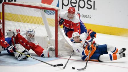 Сезонът нв НХЛ ще продължи до май 2021 година.