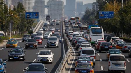 През 2017 г. Китай обяви мерки срещу бензиновите автомобили.