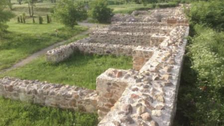 Крепостта Туида